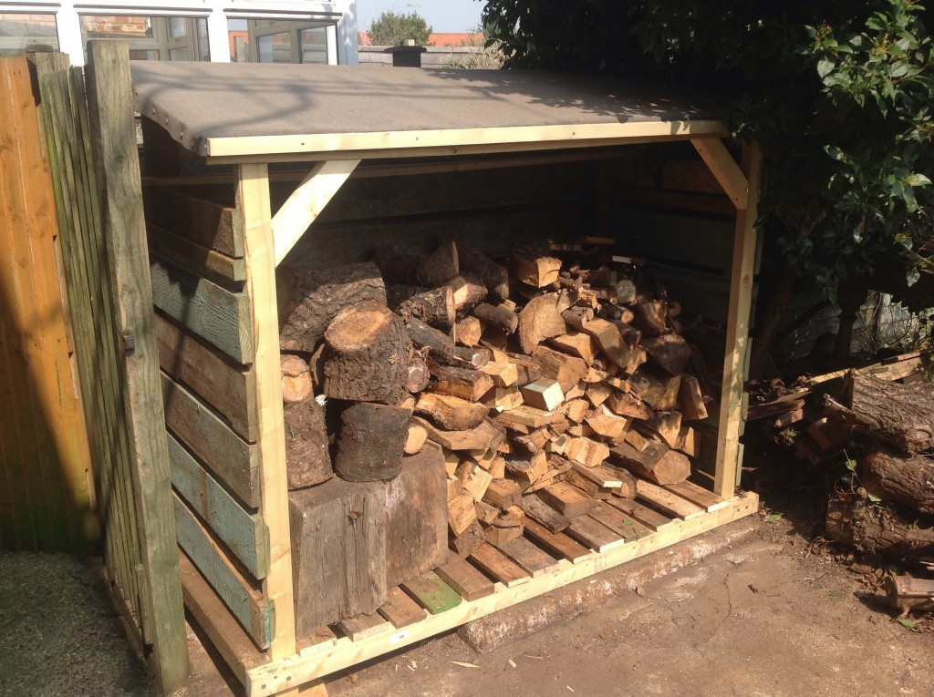finished log store